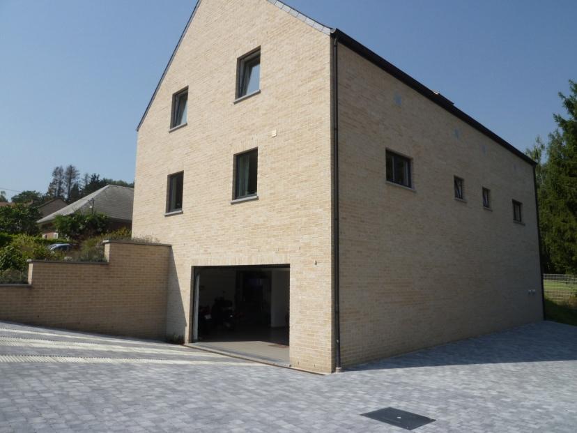 RARE: Superbe appartement duplex (138 m²) dans un agréable petit immeuble récent de seulement 2 appartements - Xcellence immobilière