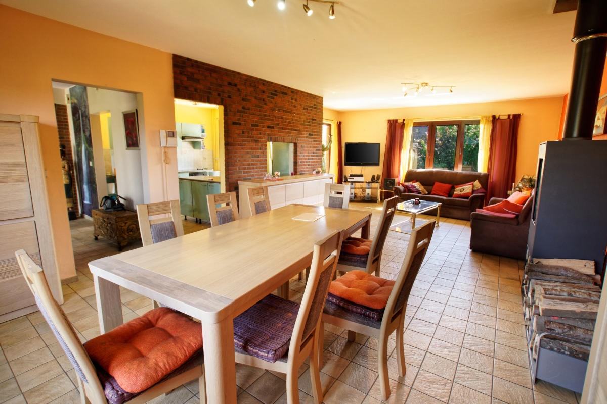 Villa, partie professionnelle sur 10 ares - Xcellence immobilière